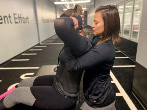Manual-therapy-joint-mobilization-back-athlete-greenbay